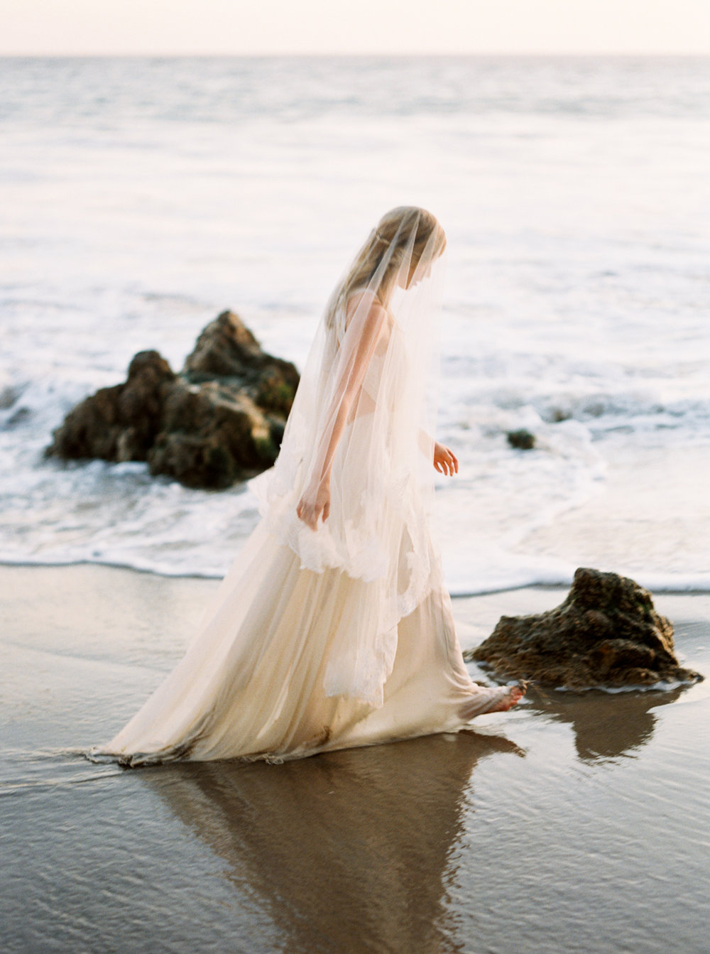 malibu_wedding_bride-89.jpg