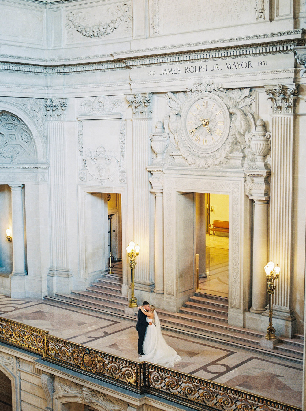 DennisRoyCoronel_Photography_SanFranciscoCityHall_Wedding-84.jpg