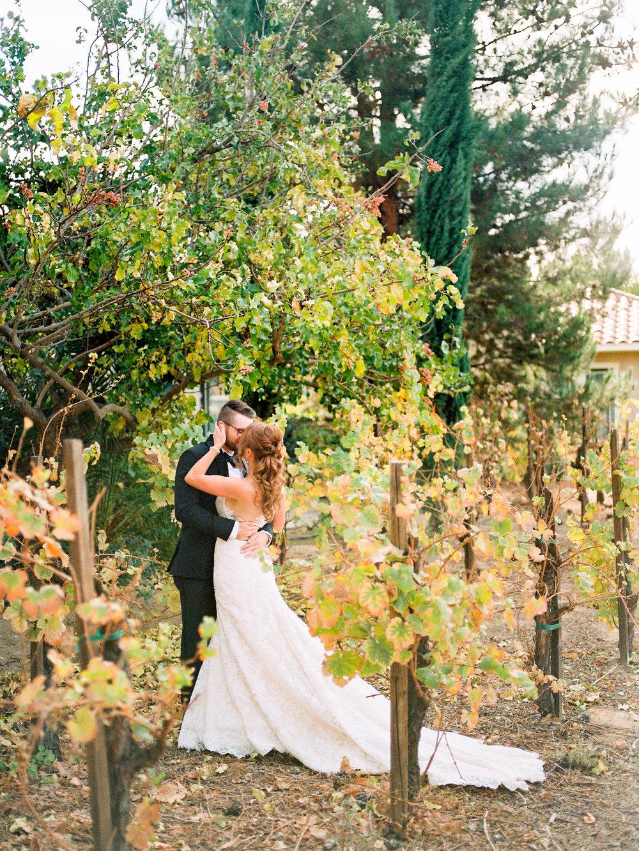 dennisroycoronel_white-winter-barn_temecula_wedding_photographer-36.jpg