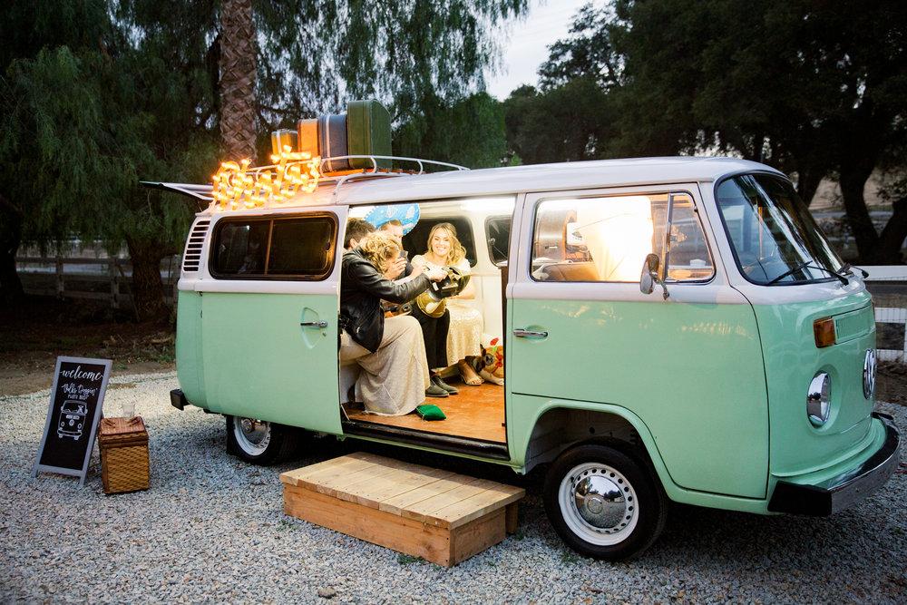 dennisroycoronel_white-winter-barn_temecula_wedding_photographer-88.jpg
