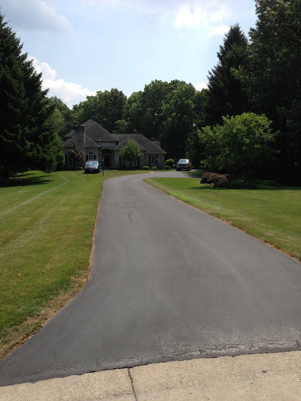 Southern Tier Sealcoating provides Commerical and Residential customers with eco-friendly asphalt sealing services. We provide crack repairs, asphalt repair, power blowing, sweeping and edging.