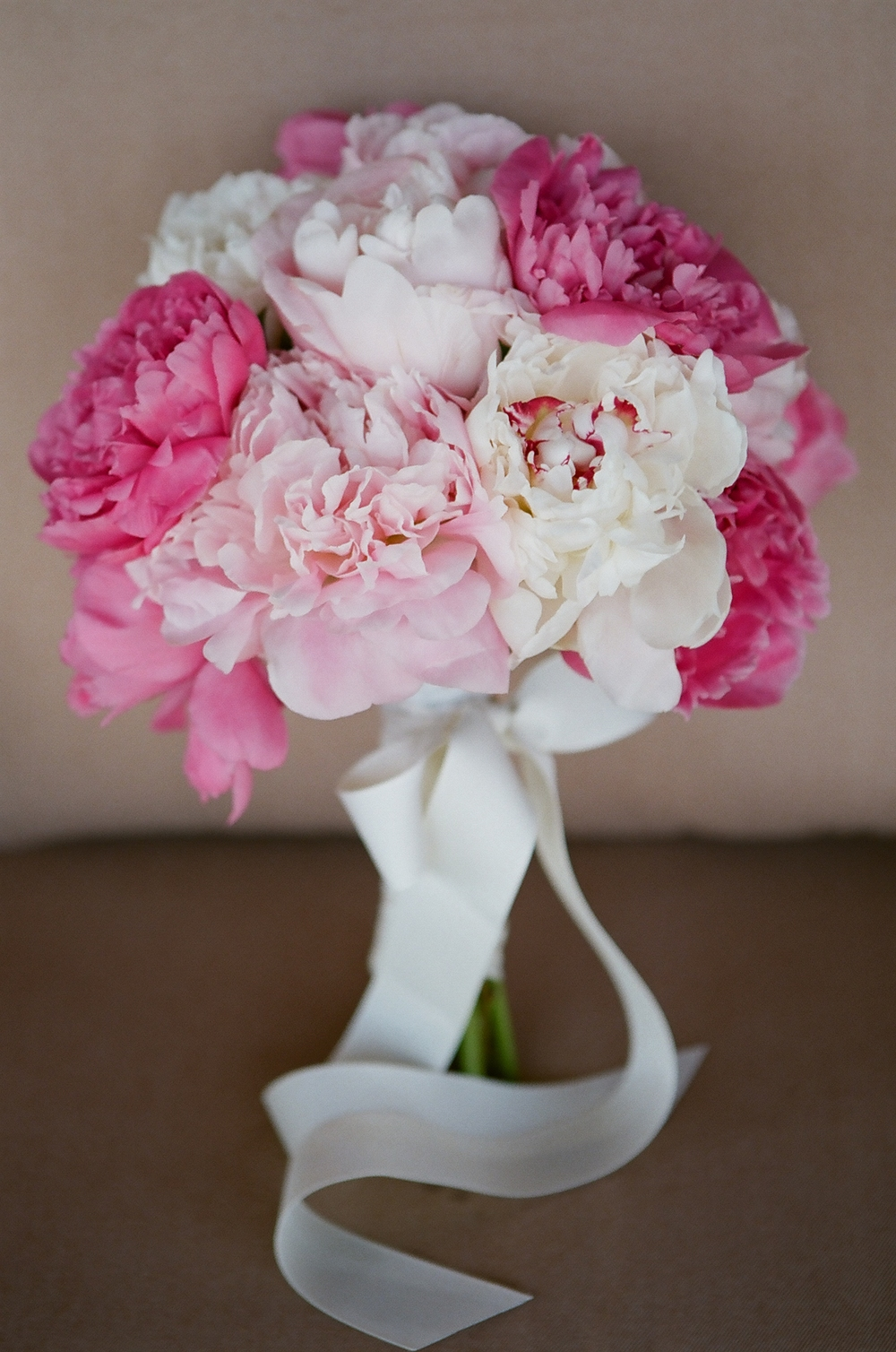 pink and white wedding bouquets
