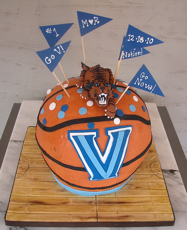 0ff626225 5 Groom s Cakes for the March Madness Obsessed