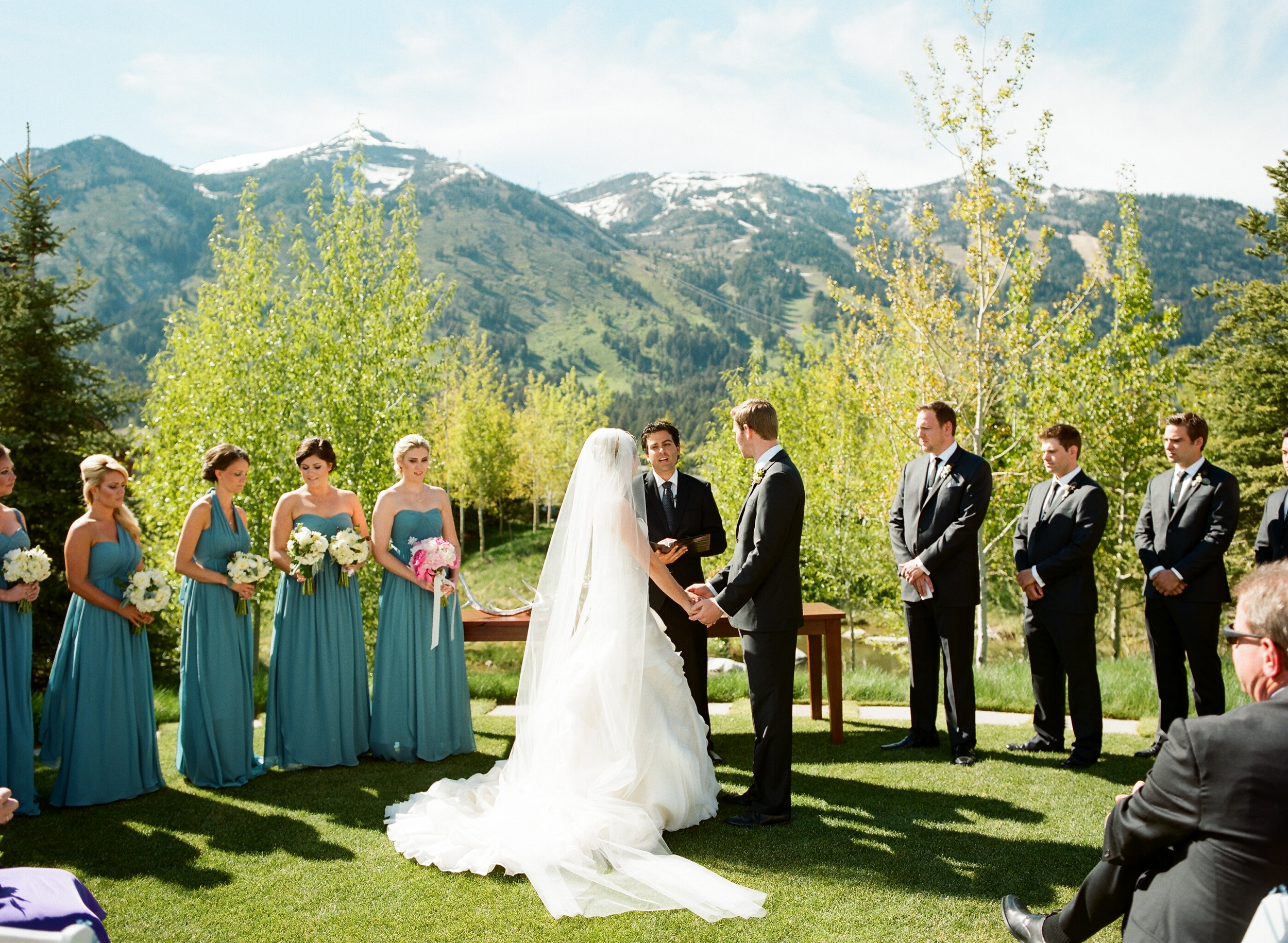 chic mountain wedding photos
