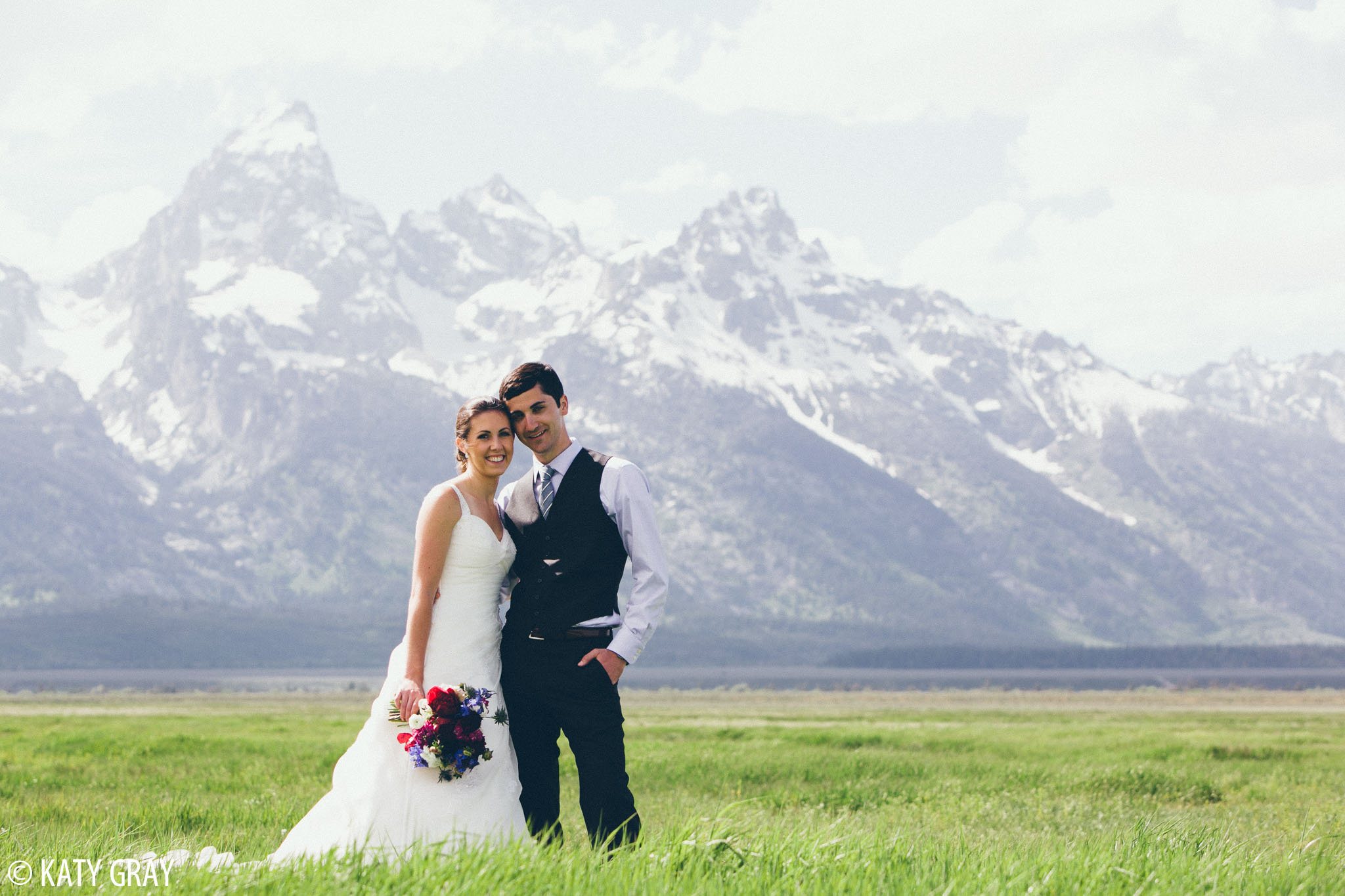 Jackson Hole wedding photos with Tetons