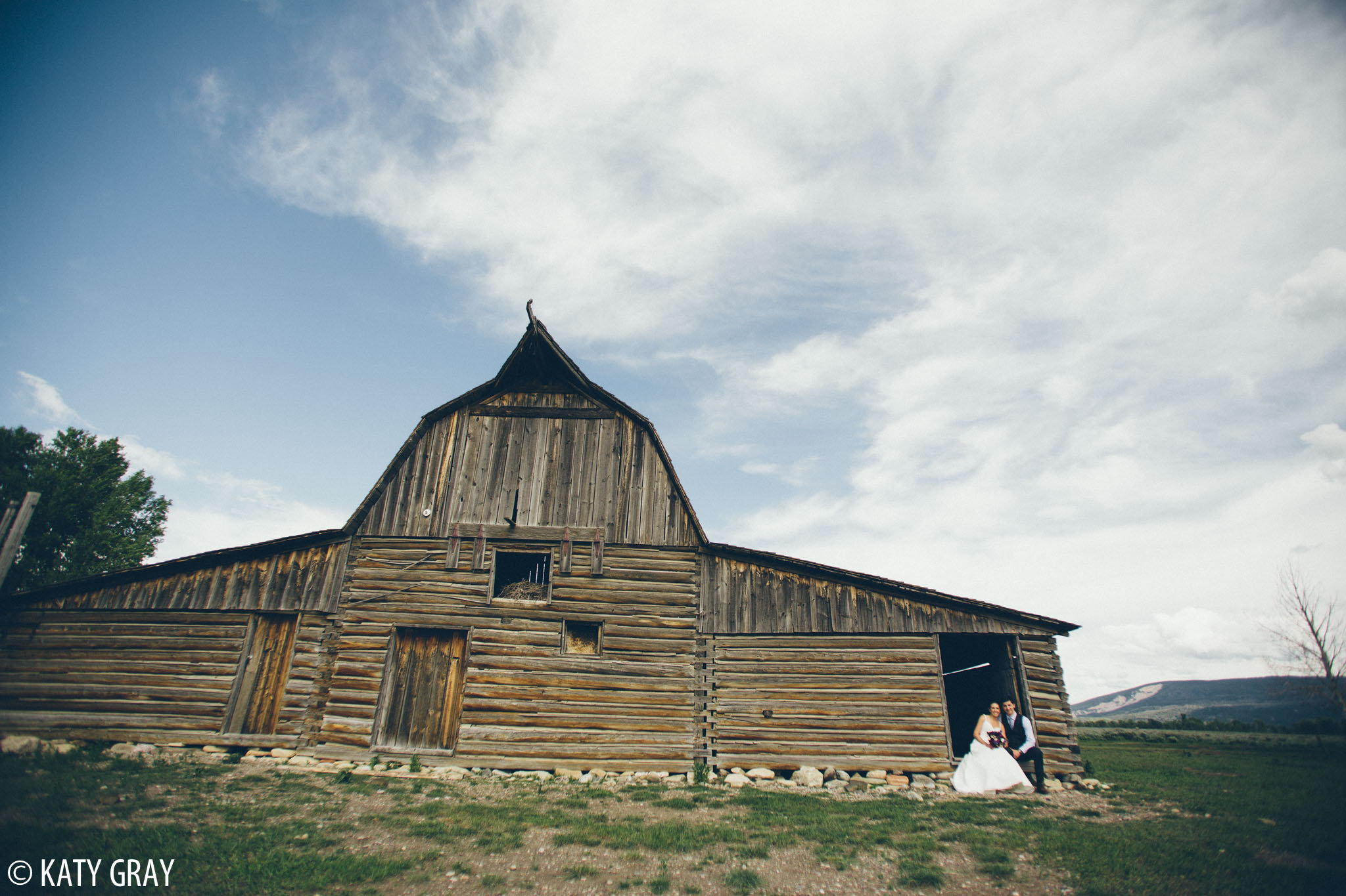 Moulton barn wedding photo
