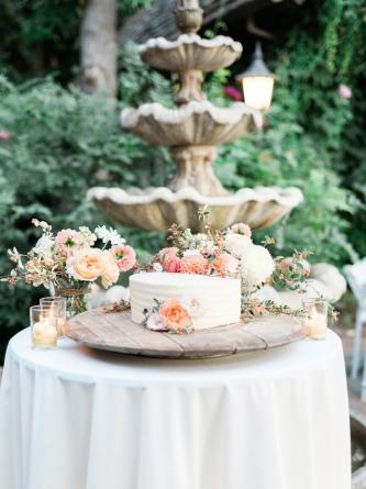 Carats & Cake Napa Wedding cake.jpg