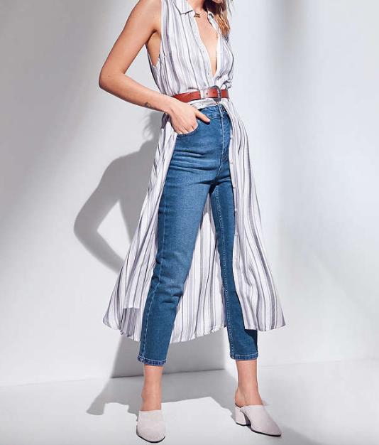 https://www.urbanoutfitters.com/shop/bdg-girlfriend-high-rise-jean---rinsed-indigo