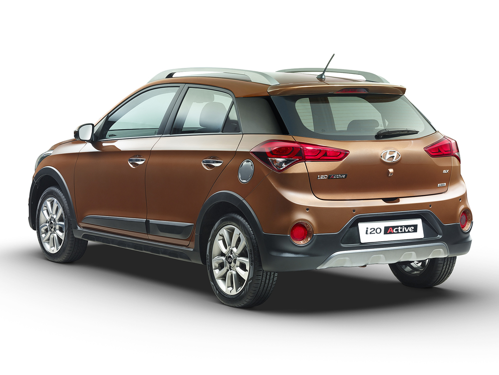 Hyundai i20 Active Brown Studio Rear med
