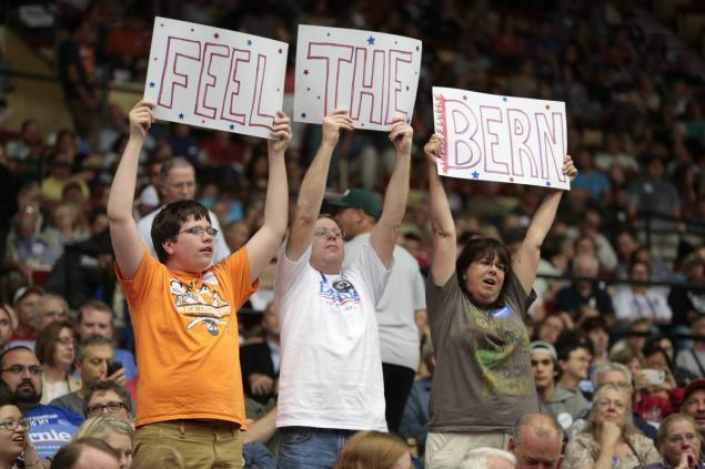 "Bernie Sanders' ""huge crowds"" are embarrassingly white."