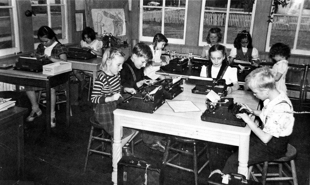 Grade School Typing Class- 1943.jpg