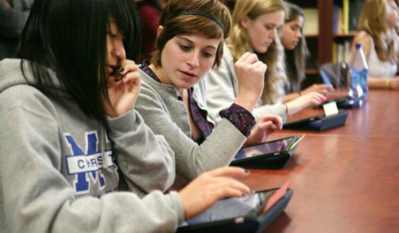 iPads in classroom2.jpg
