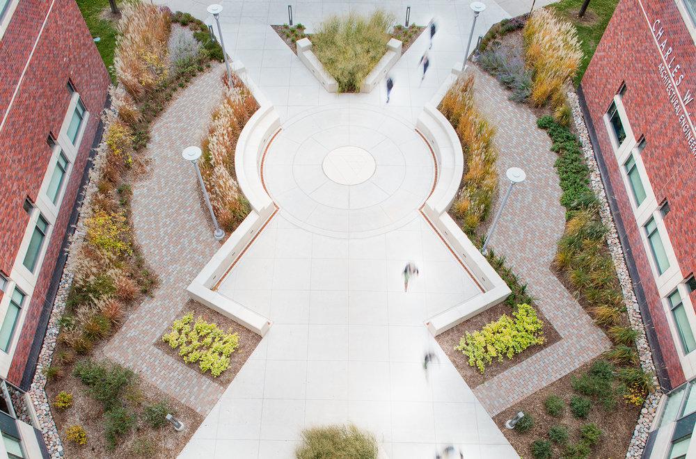 UNO Keiwitt Plaza2.jpg
