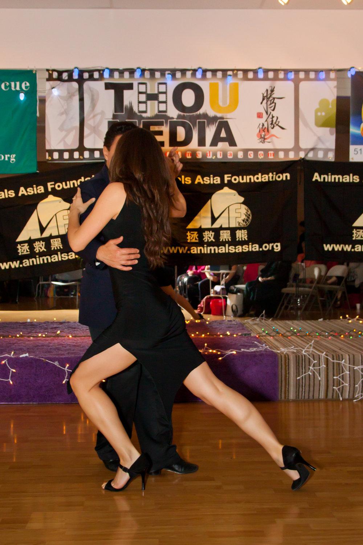 mat mia tango pose .jpg