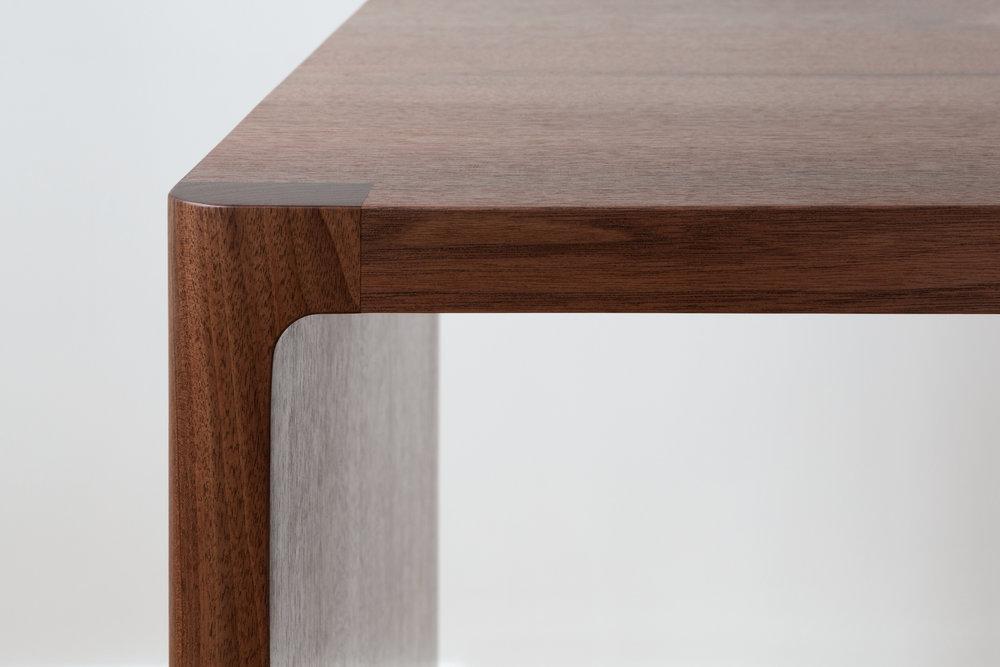 Fina-Corner-Detail(Cropped).jpg