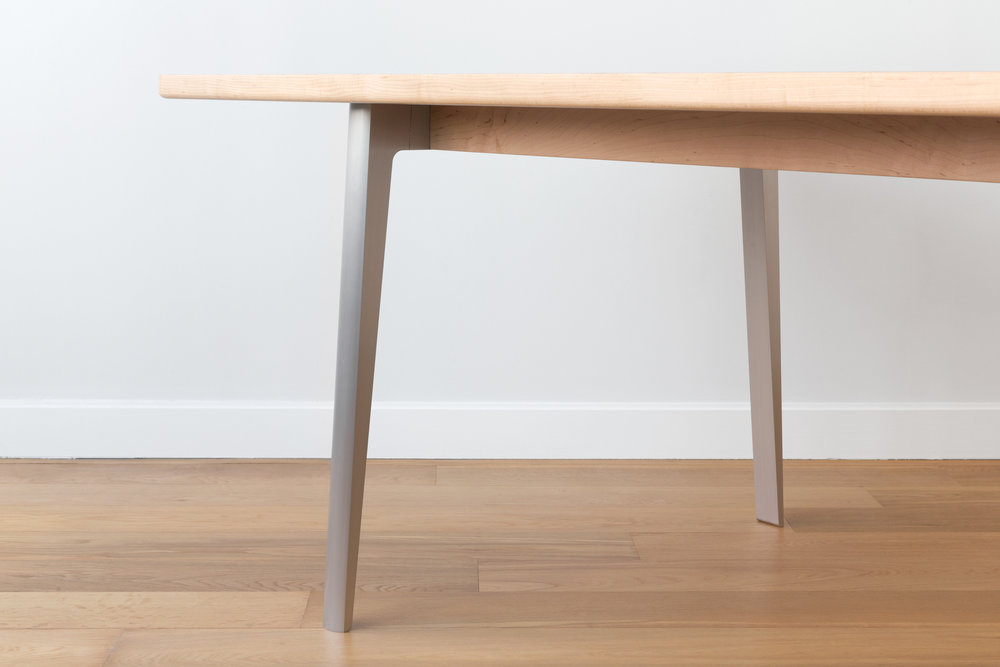 Alu-Dining-Table-Persp-End-Detail.jpg