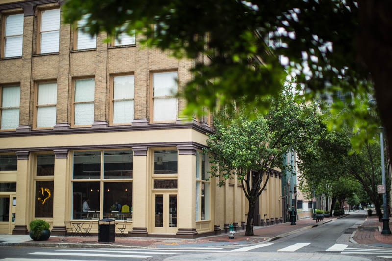 Zack Smith Photography New Orleans Street rampart buildings shops urban
