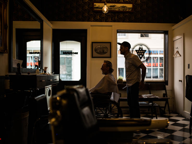 Zack-Smith-Photography-New-Orleans-jason-Barber-Shop-Bywater-Documentary-work-cutting-hair-happiness