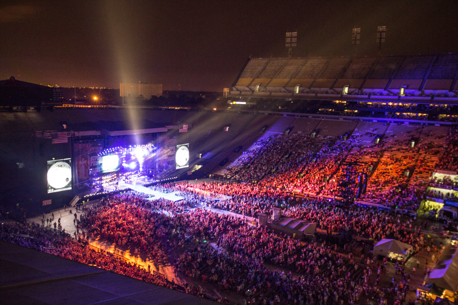 Zack Smith Photography Baton Rouge Bayou Country Superfest 2016 Crowds People Music Festival Lights fun