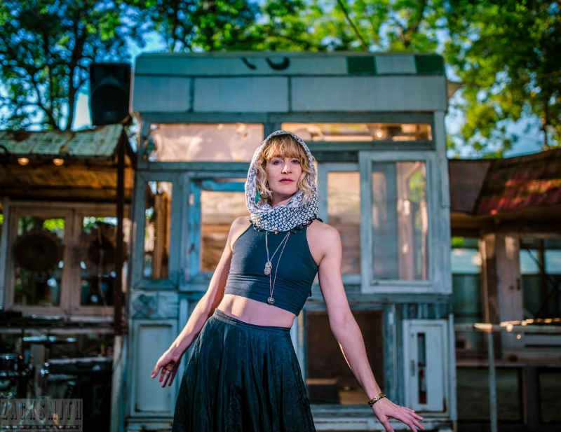 Musician Margaret Hebert at The Music Box Village ©Zack Smith Photography 2017