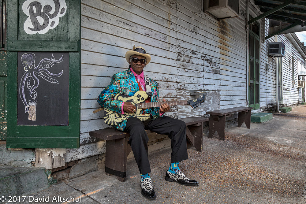 Photograph of Little Freddie King at BJ's bar by workshop participant David Altschul, 2017.