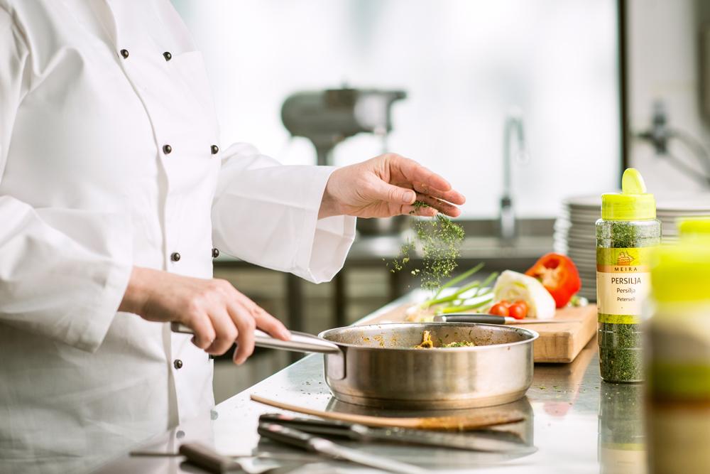 Annoskuva ruokakuva kokki salaatti 003.jpg