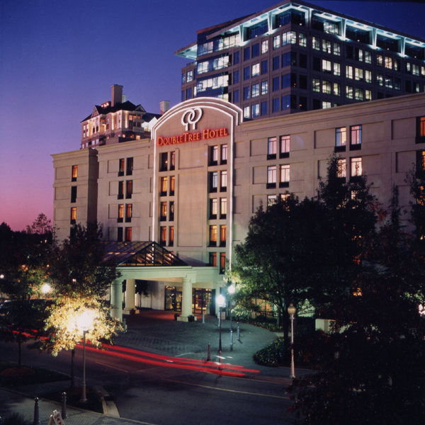 The Residence Inn Midtown Atlanta/17th Street is the perfect hotel for short or extended stays. Our hotel offers amazing amenities such as free hot breakfast and Wi-Fi. Book your stay today.