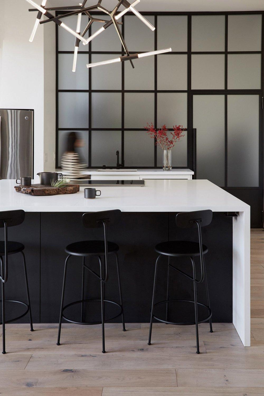 san-diego-residence-teresa-xu-interiors-california_dezeen_2364_col_8-1704x2556.jpg