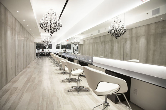 One branch of theWarren-Tricomi Salon can be found at125 Fifth Avenue, New York, NY.