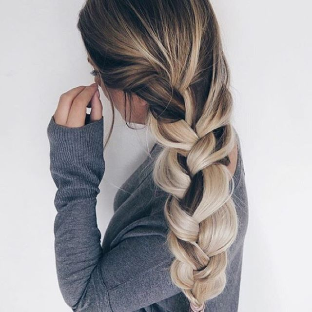 It's a braid kind of day 📸 @Sarah.nourse  #braids