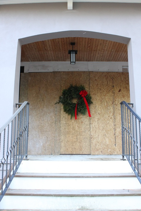 Getting into the spirit of the season on Seabrook, front door or not.