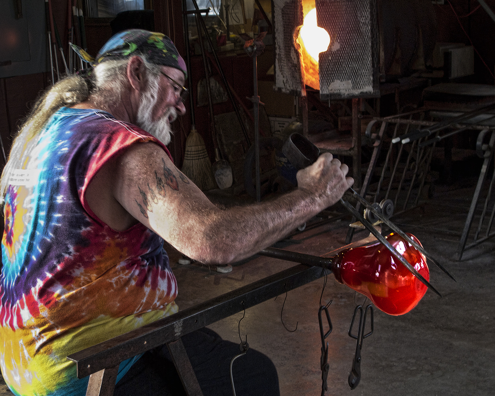 John made this photograph of Master Glassblower James Michael Kahle while attending a class at his studio in north Dayton.