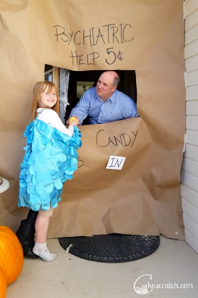 Decorate your door for Halloween with these easy Peanuts ideas