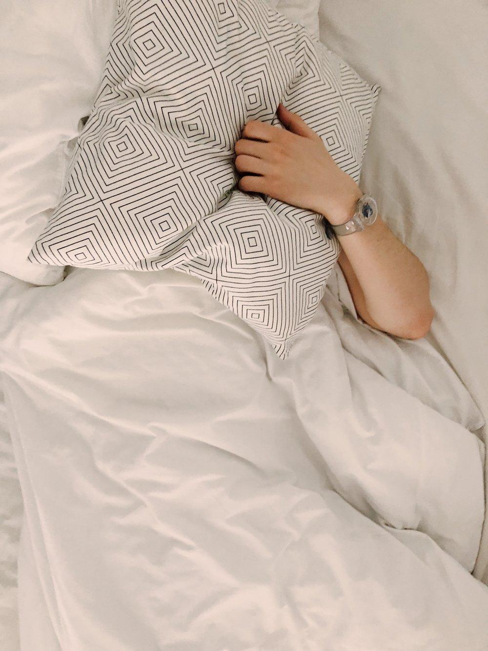 bed-blanket-cushion-1029801.jpg