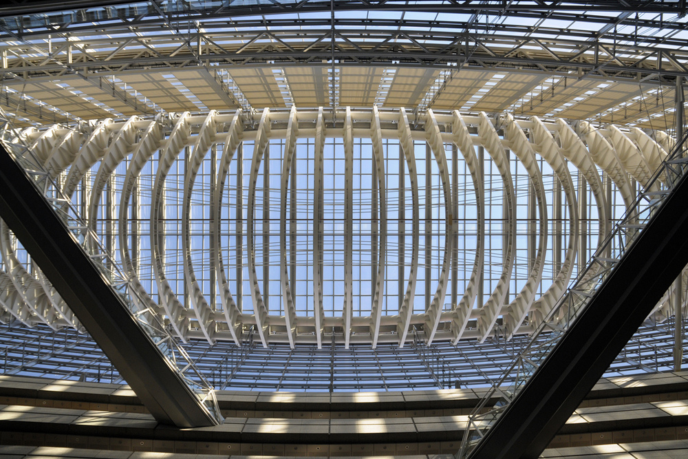 Interior view of the roof of the Tokyo International Forum Tokyo