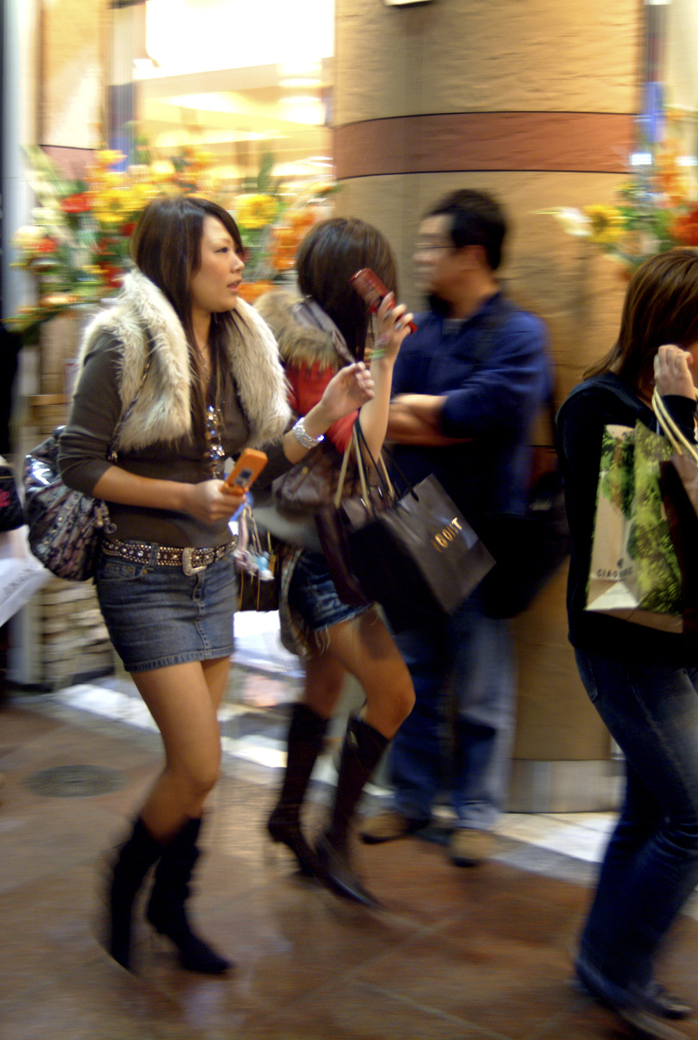 Young women shoppers in Kawaramachi-dori