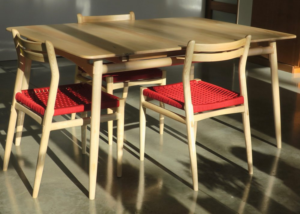 """Lars Extension Table in Figured Maple - 40"""" x 60-84"""""""