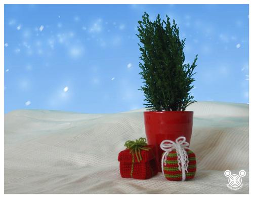 Little Christmas Crochet Gifts free pattern