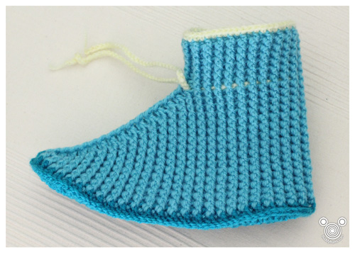 Crochet women slipper boot