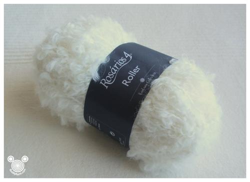 Boucle yarn white.jpg