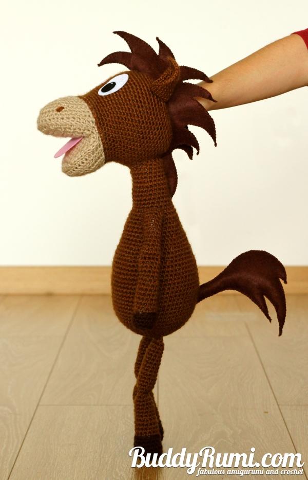 Amigurumi puppet