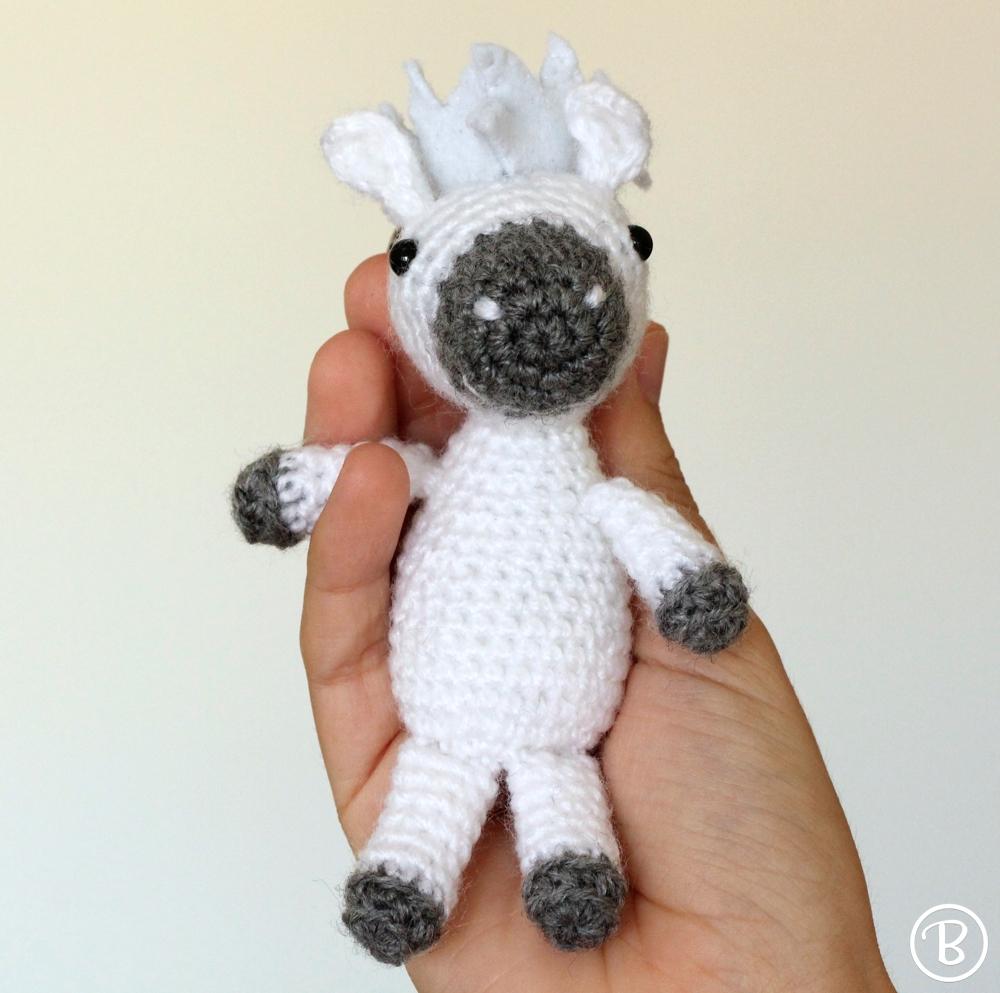 Mini pony keychain