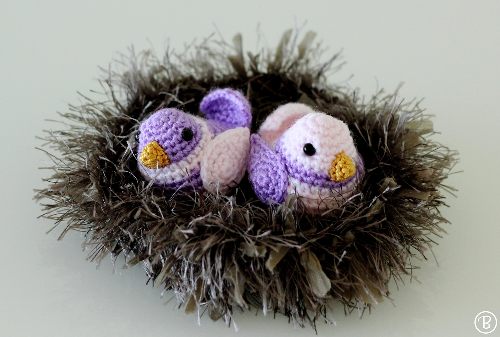 Amigurumi birds in nest