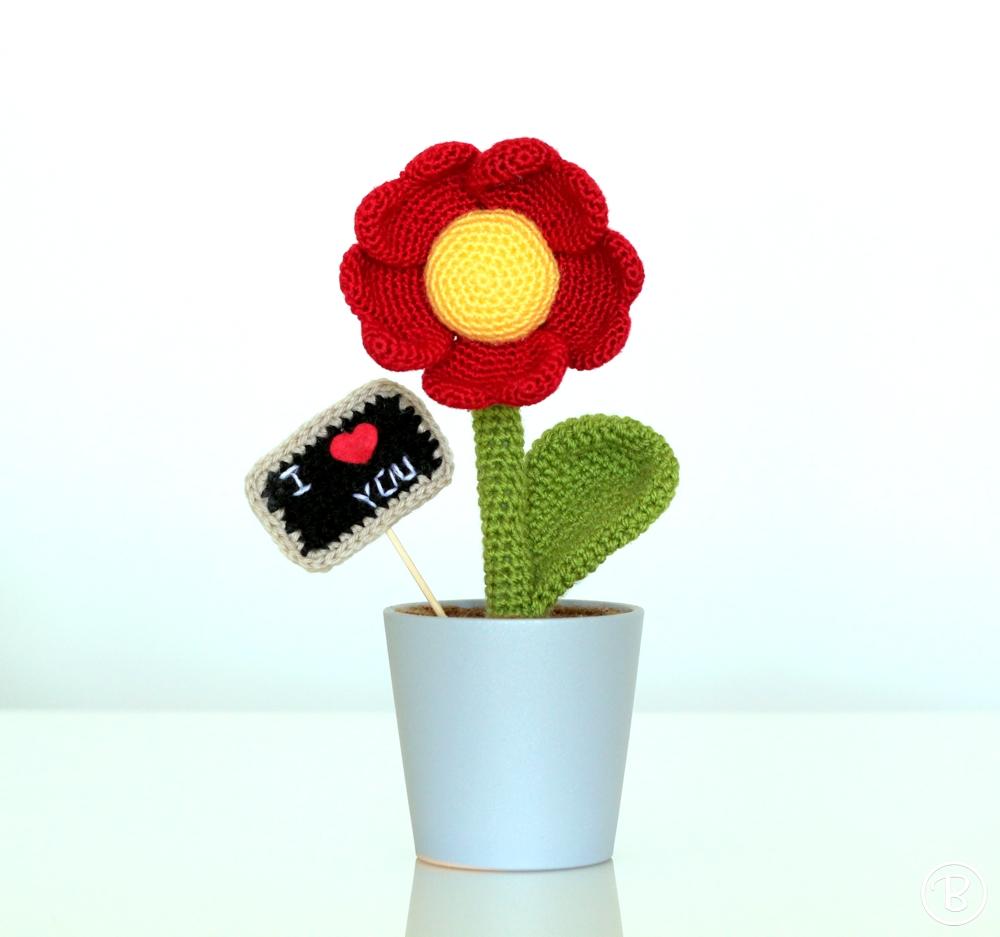 Amigurumi crochet flower