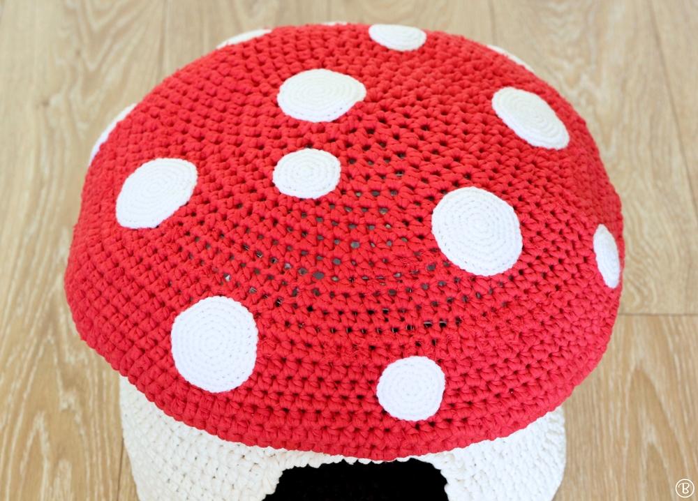 Mushroom cat bed