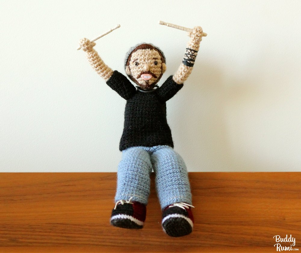 Mini amigurumi drummer