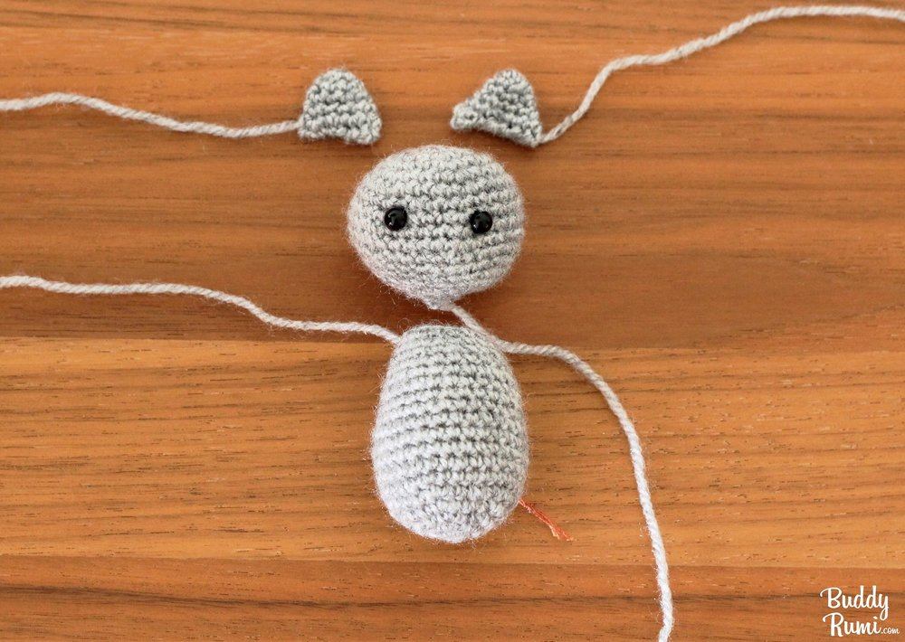Crochet cat keychain