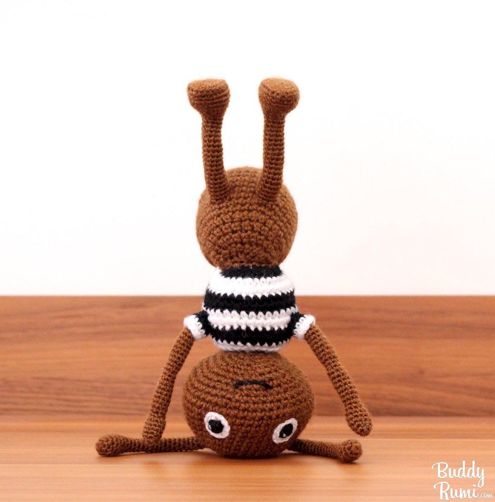 Amigurumi ant handstand