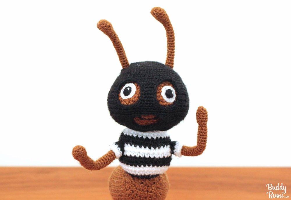 Kasey Golden Robber Ant in Amigurumi