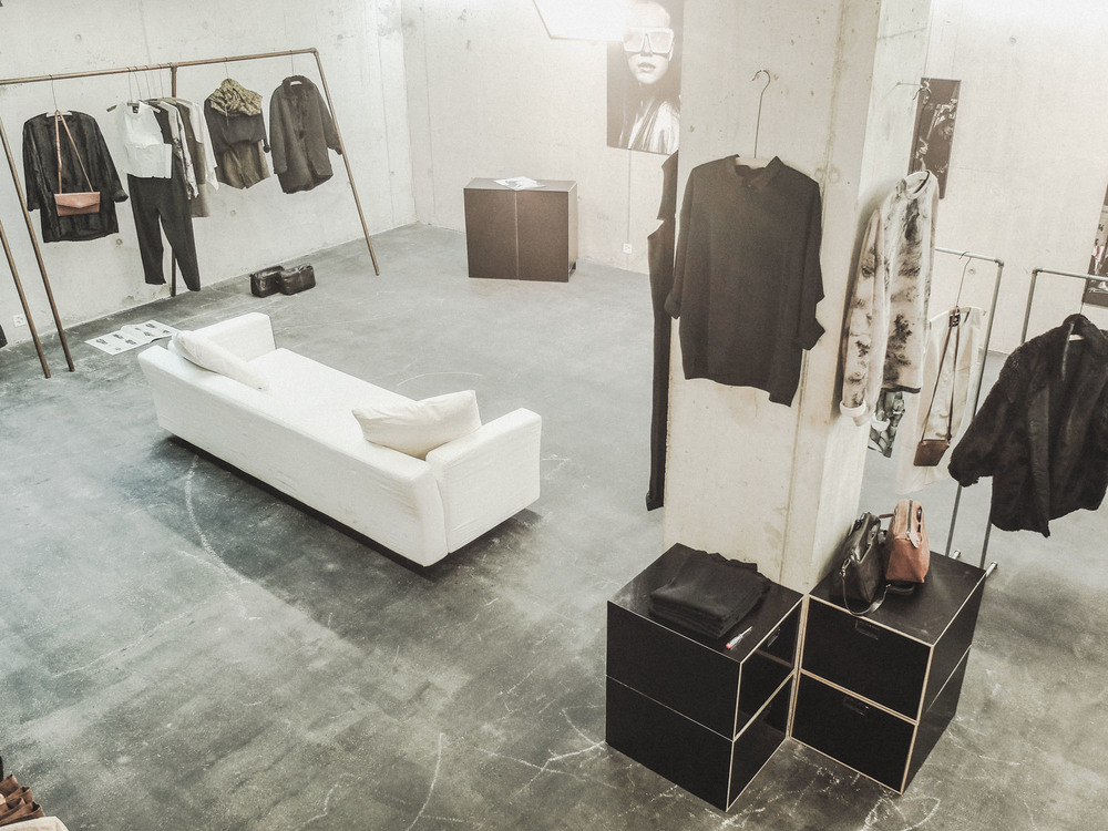 BERENIK-AW14-OUTLET-BOUTIQUE-01.jpg